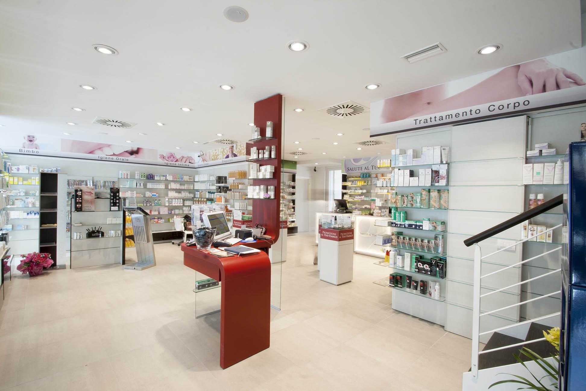 Foto dettaglio elemento centrale zona area vendita farmacia Gagliardelli Varese